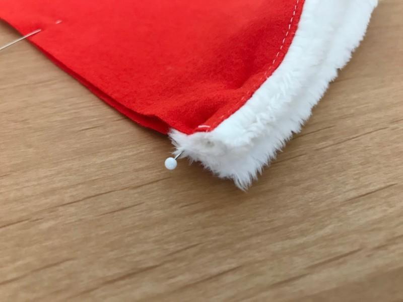 メルちゃんの簡単サンタ帽子